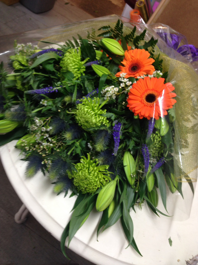 Flowers With Sympathy, flowers online, sympathy flowers - Gift Wrap ...